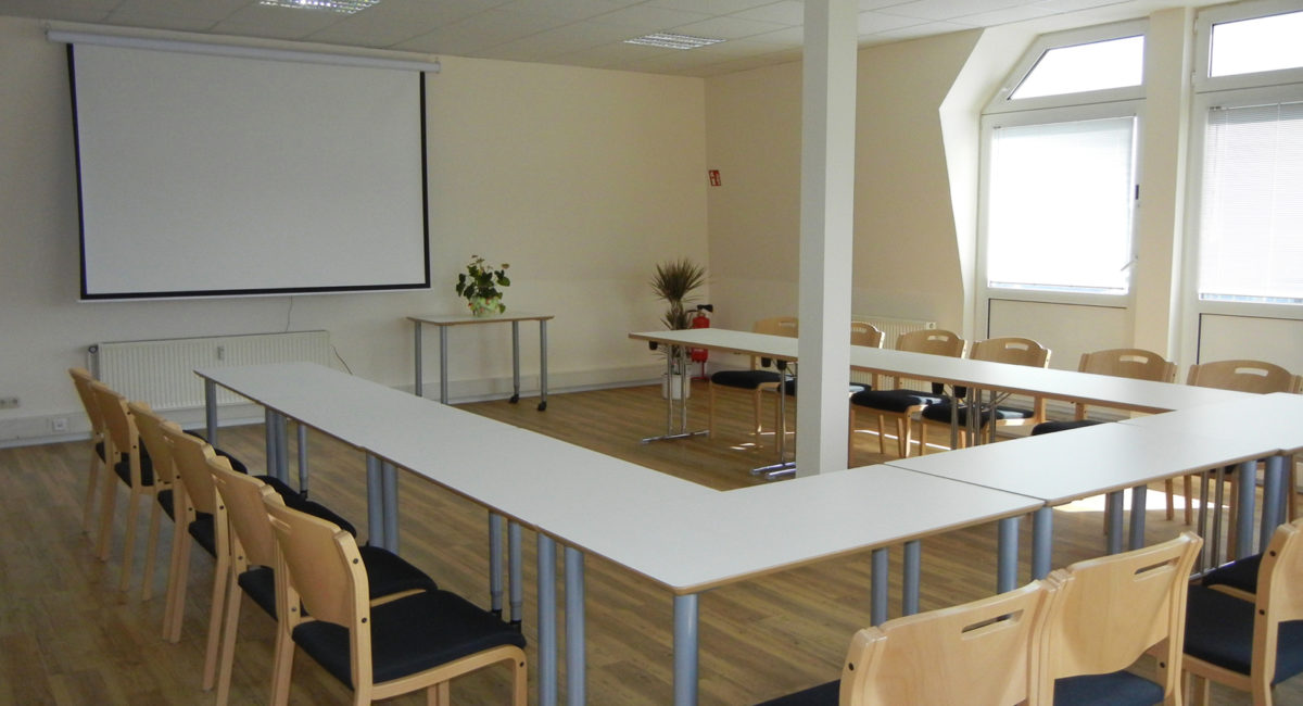 Seminarraum mit Whiteboard